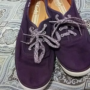Ted's classic purple canvas oxfords sneakers